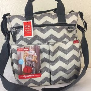 Skip Hop Duo signature diaper bag tote Chevron